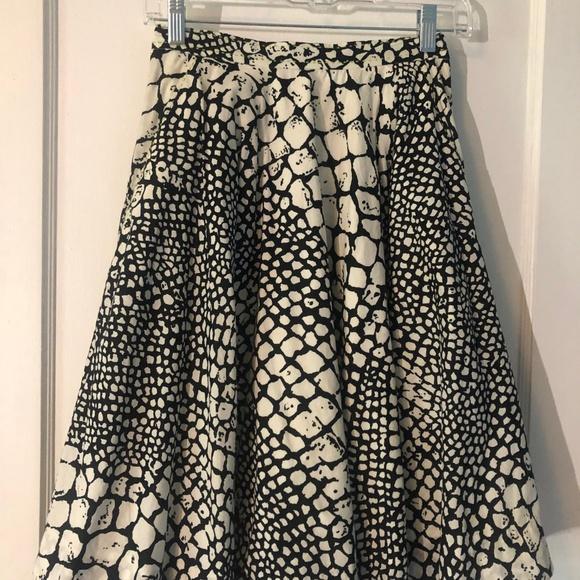 Anthropologie Dresses & Skirts - Anthropologie Animal Print Midi Skirt w/ Pockets